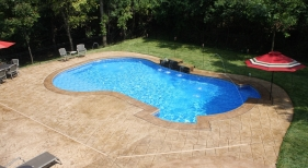Fenton-overview-pool-bench-liesure-step-tanning-shelf-water-feature-stamped-deck-1