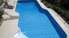 Latham-Ft-Wayne-liesure-step-geometric-vinyl-liner-tile-boarder-pattern-aluminum-fence