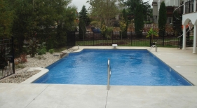 Infinity-negative-edge-vinyl-no-catch-basin-self-contained-inovative-landscaping-diving-board
