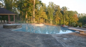 Gunite-Pool-with-Raised-Spa-and-Diving-Board